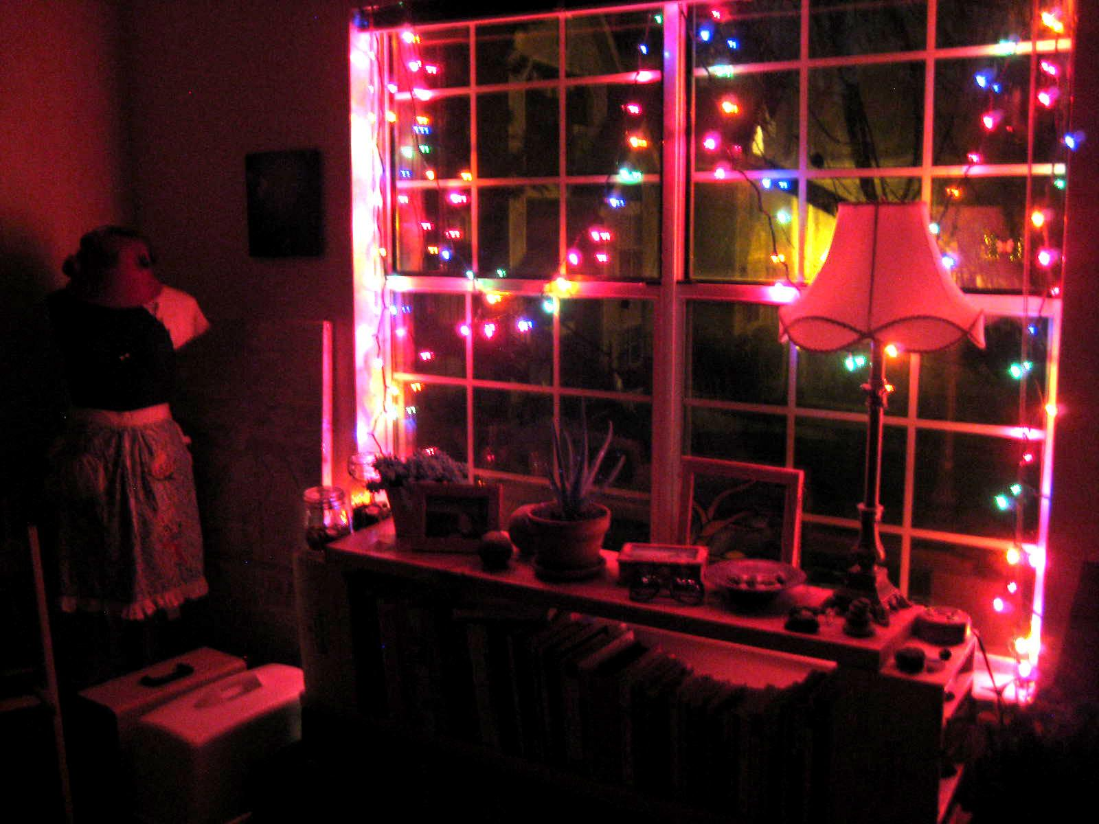 Cool Ways Put Christmas Lights Your Bedroom