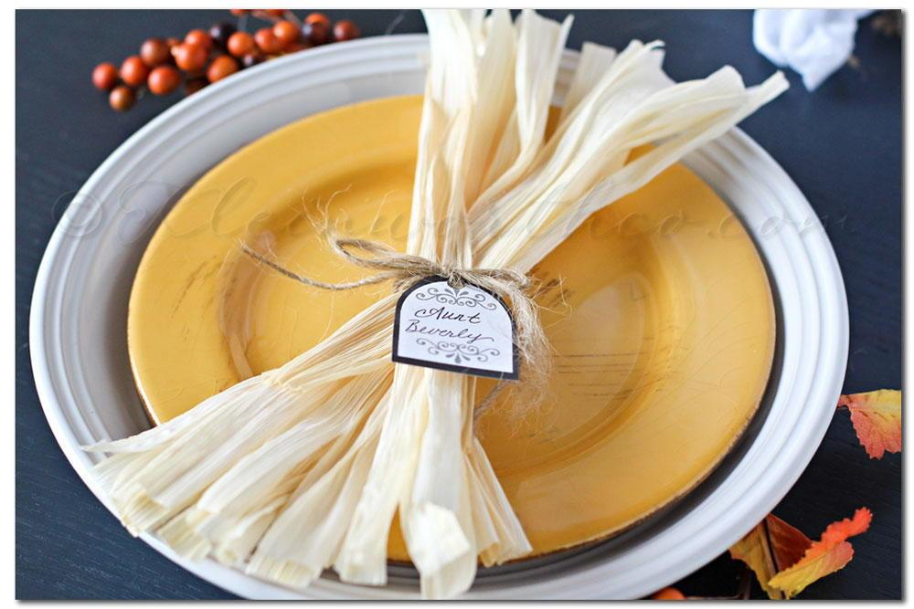 Corn Husk Fall Table Setting Ideas Allfreeholidaycrafts