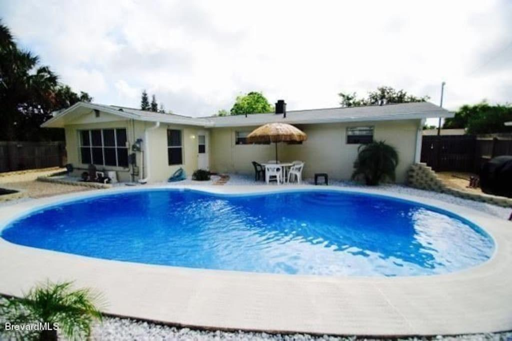 Cozy Private Getaway House Pool Houses Rent