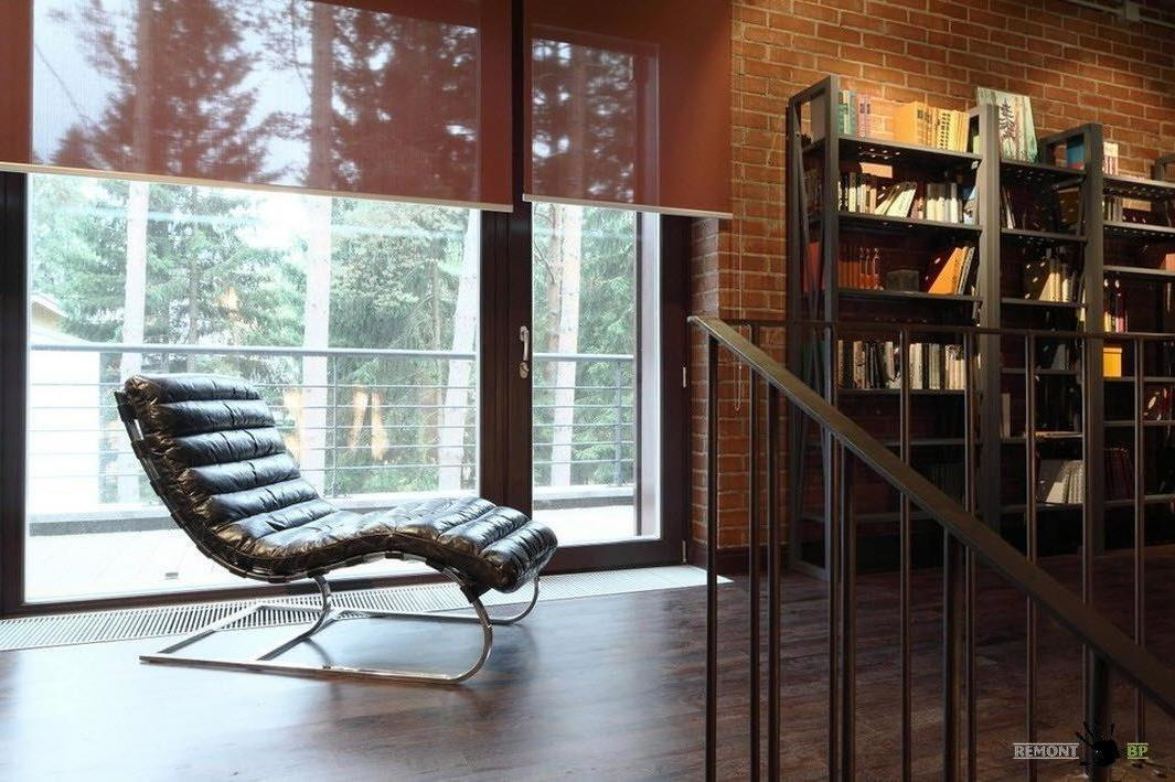 Cozy Reading Corner After Staircase Stylish