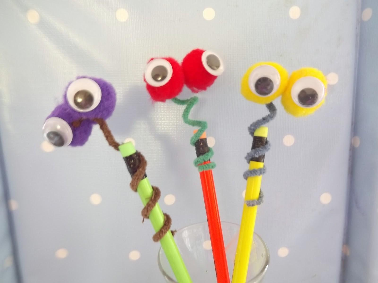 Craftea Googly Eyed Snake Pencil Toppers