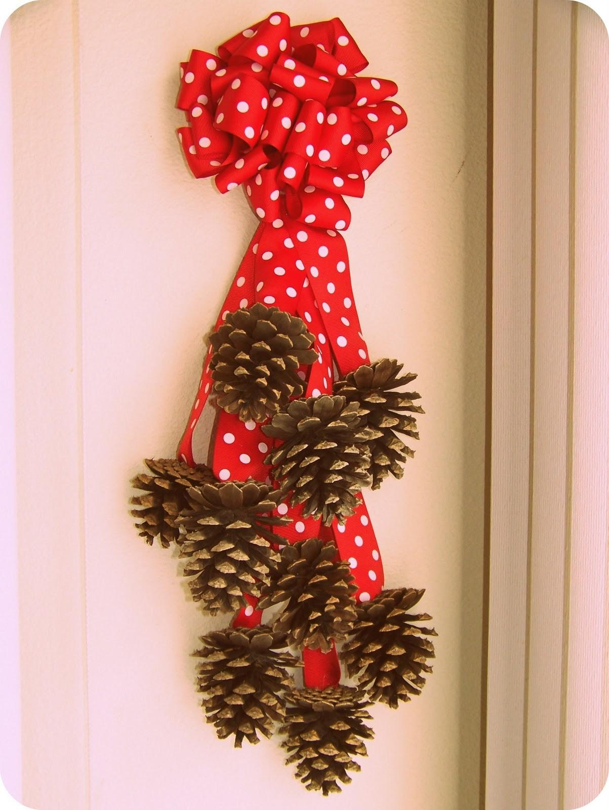 Crazy Crafts Pine Cone Wall Hanging
