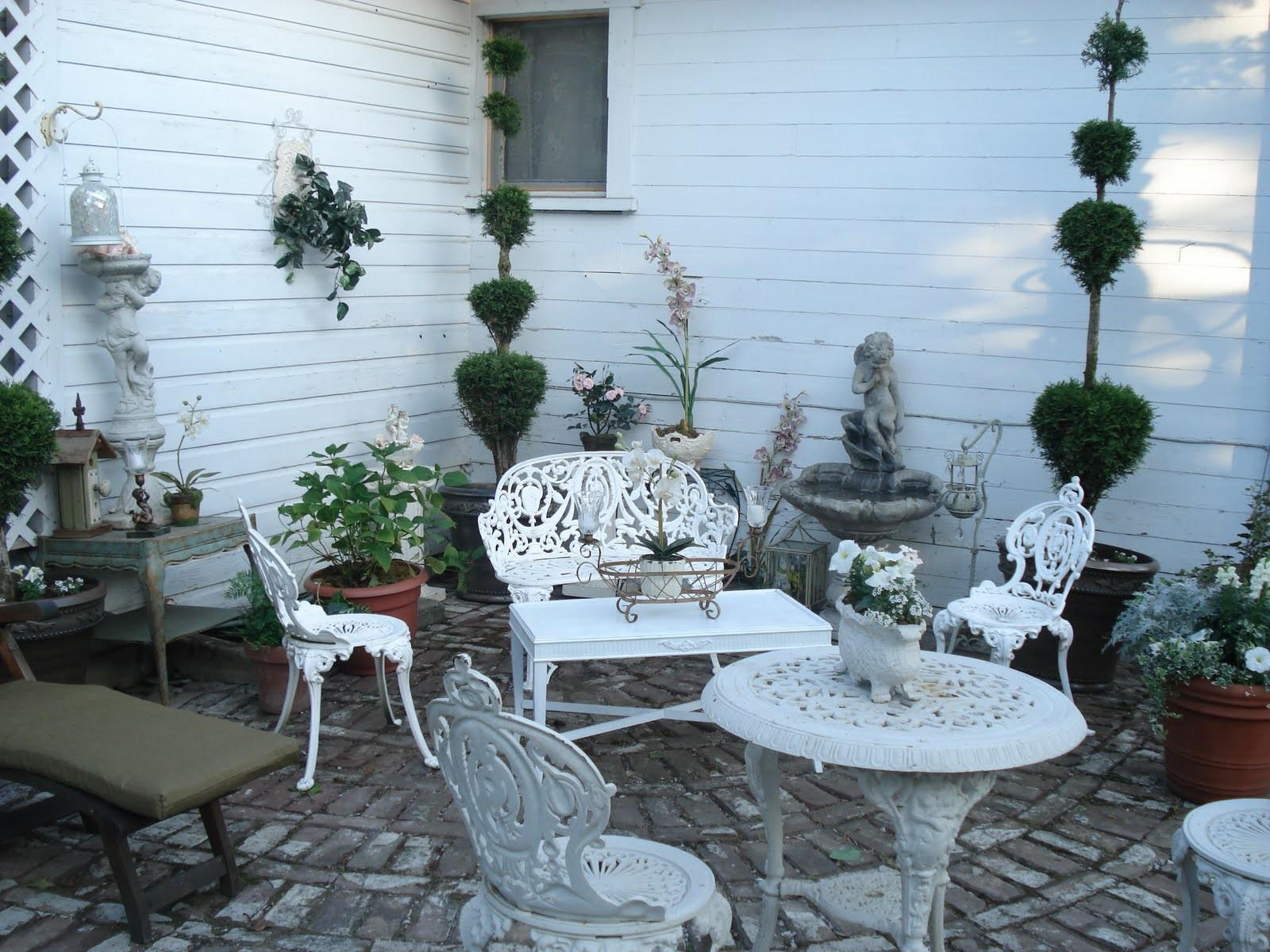 Create French Country Style Garden Patio Best