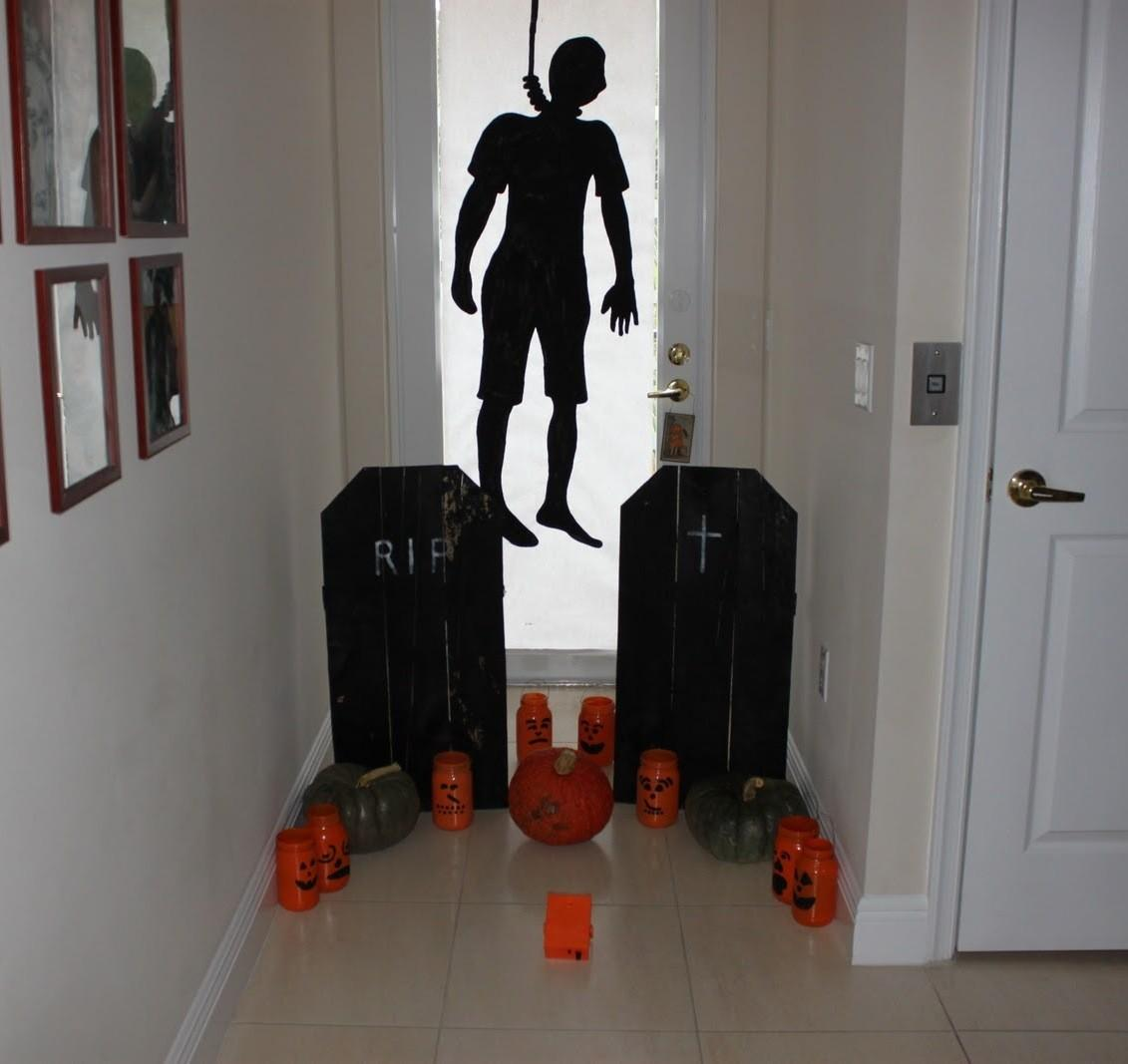 Creepy Halloween Decorations Ideas Magment