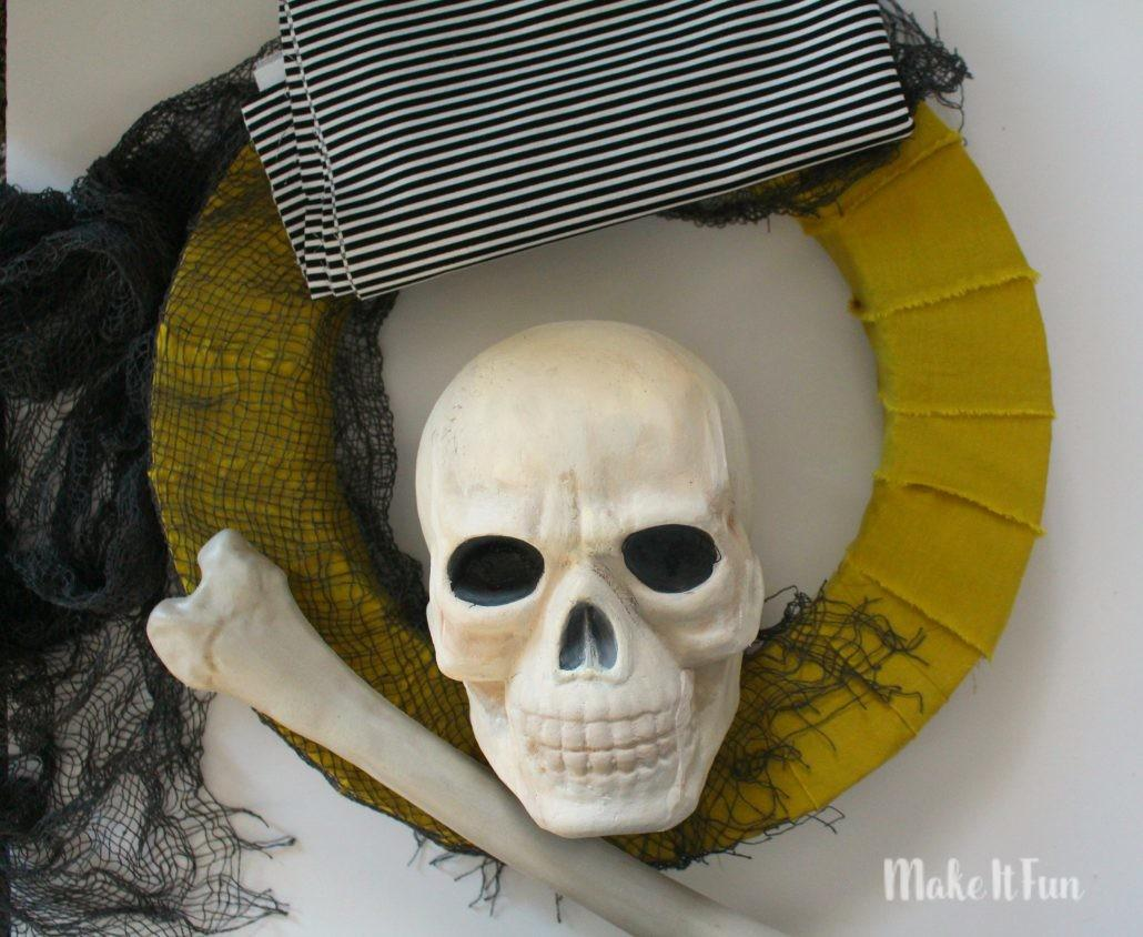 Creepy Skull Wreath Girl Glue Gun