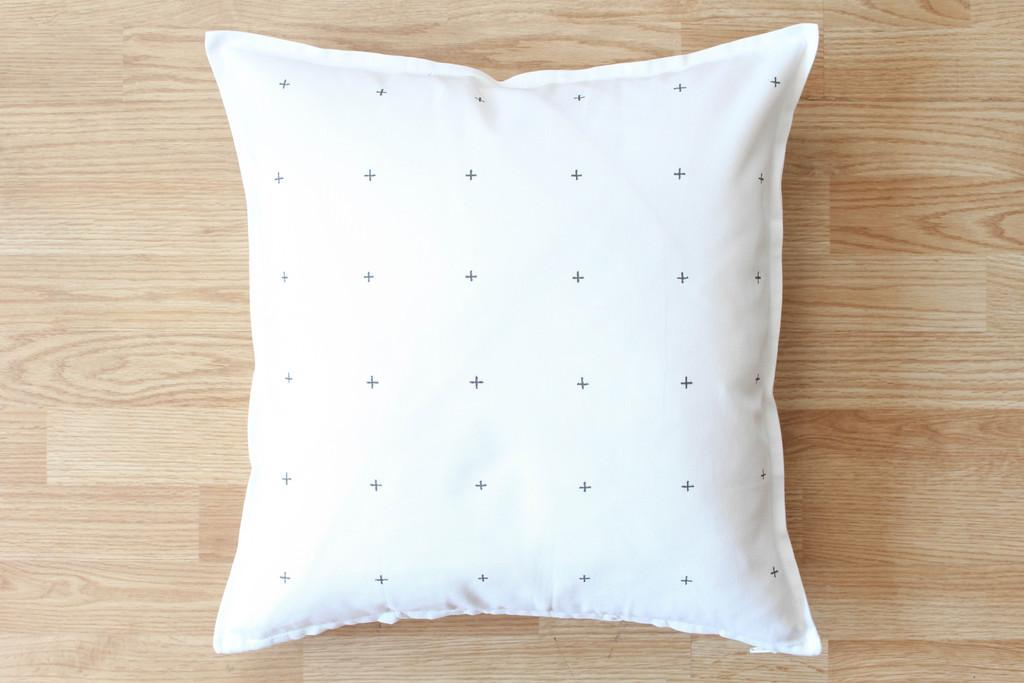 Crosses Pattern Easy Diy Decorative Throw Pillows Lonny