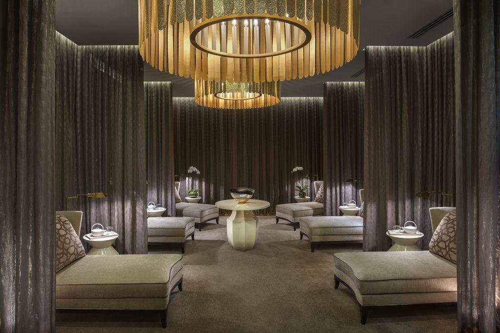 Crown Spa Towers Melbourne Girl