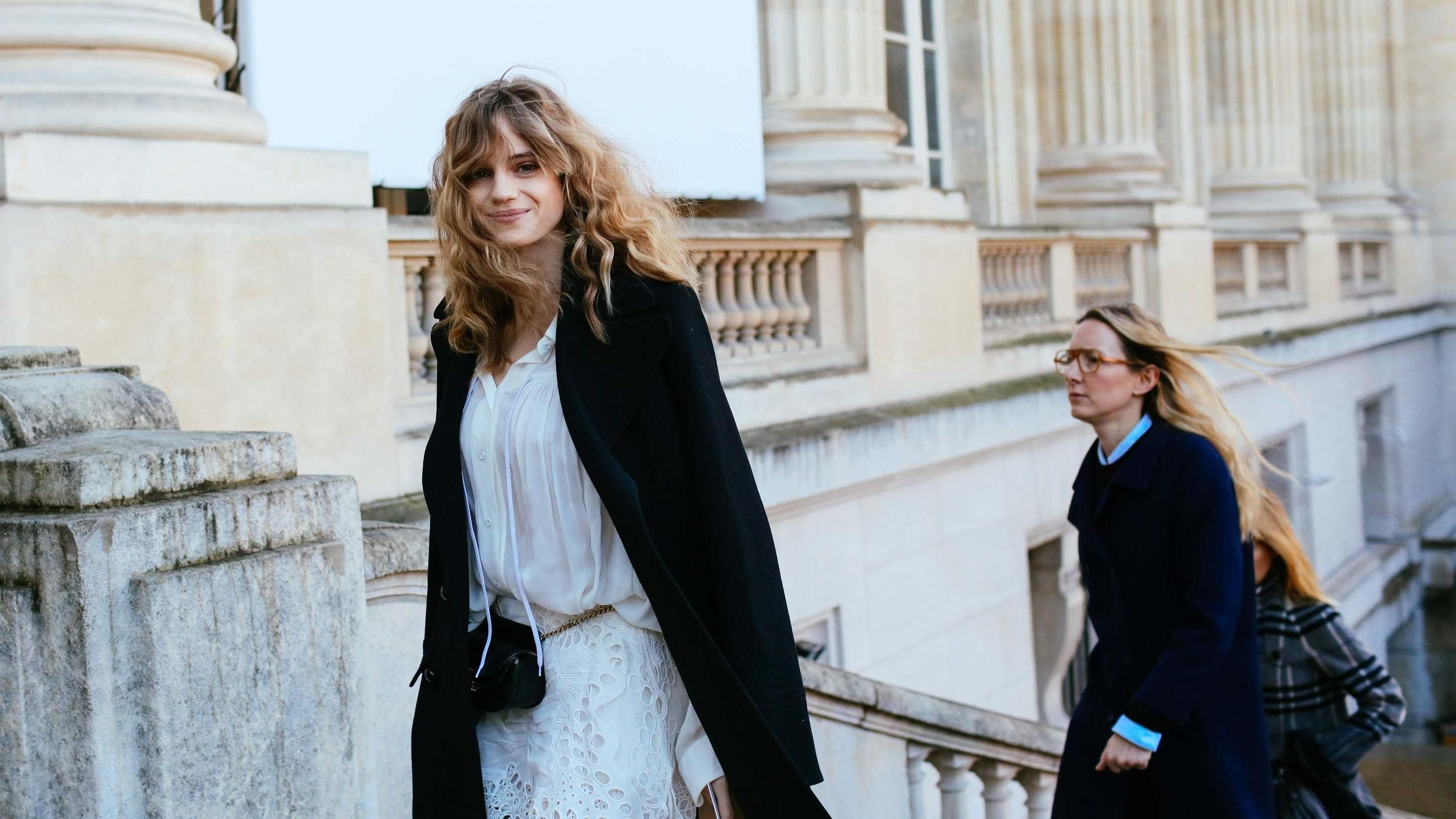 Curly Hair Dominates Paris Street Style Beauty Scene