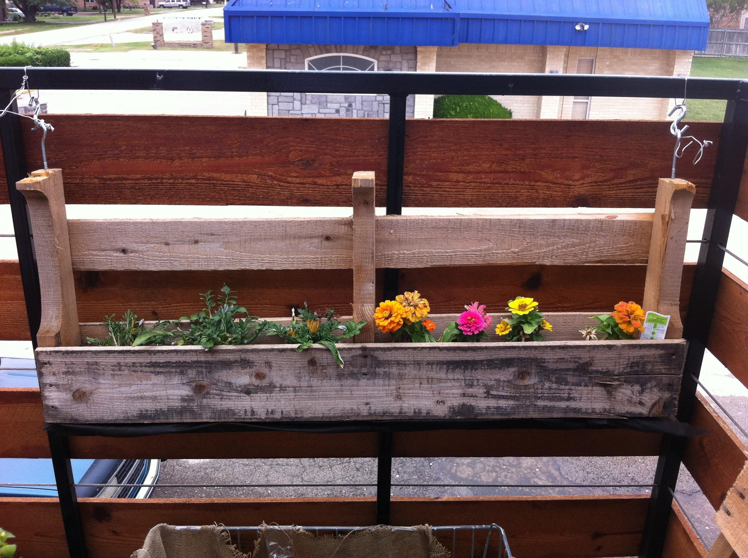 Custom Diy Hanging Planter Boxes Using Recycled Reclaimed