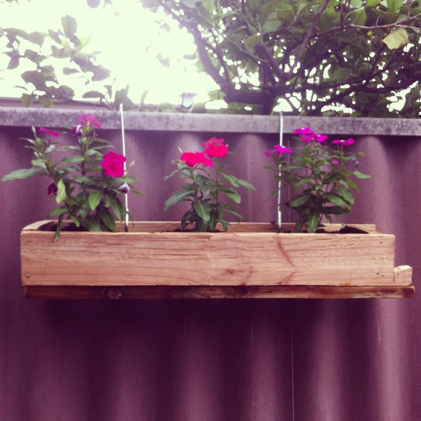 Custom Diy Hanging Wood Planter Boxes Using Recycled