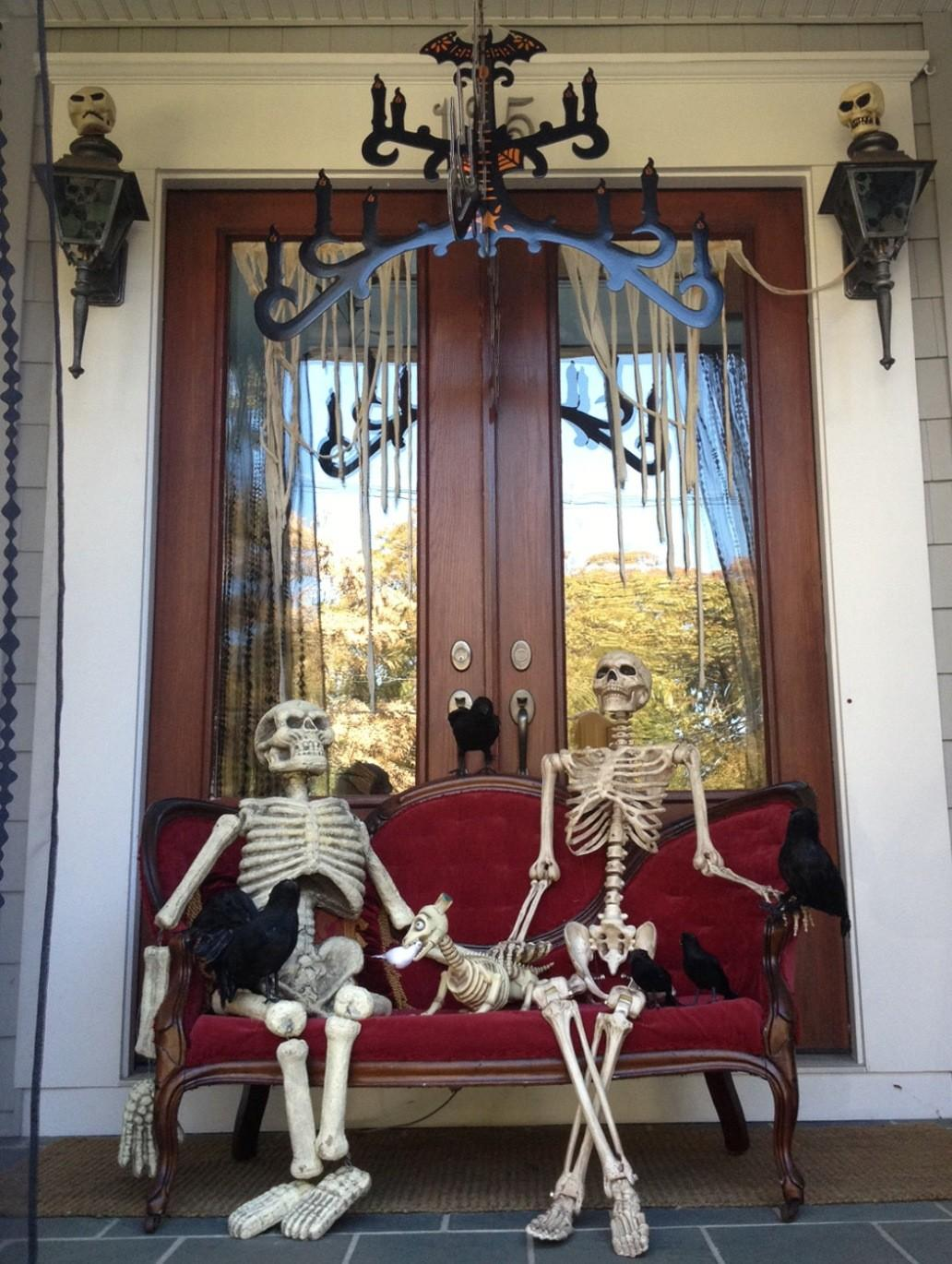 Cute Halloween Front Porch Decorations Greet Your Guests