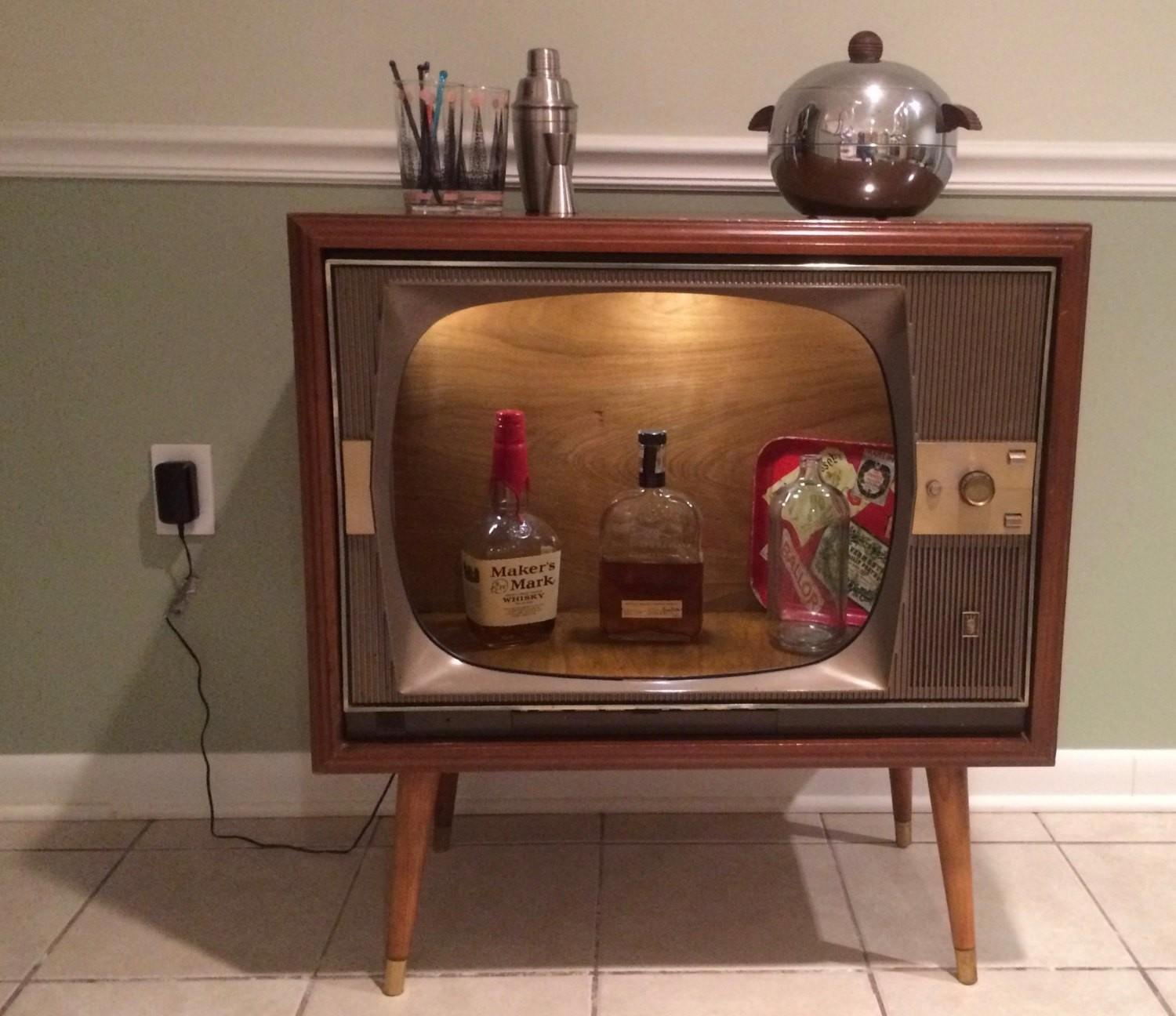 Cycled Vintage Zenith Super Console Television