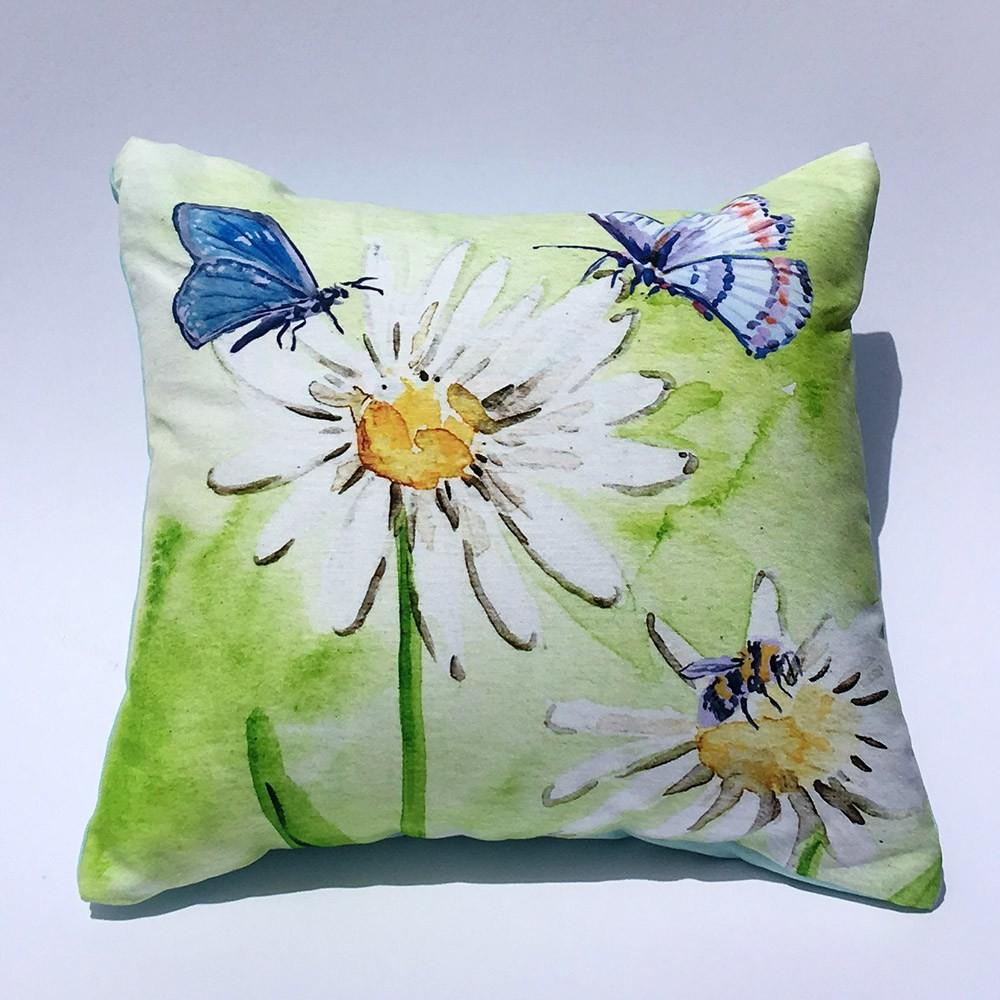 Daisy Flower Spring Wildlife Home Decor Throw Pillow