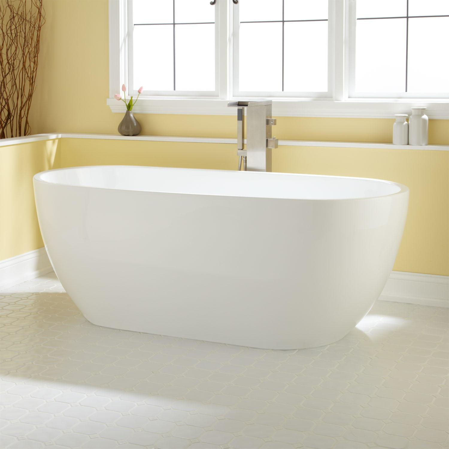 Dana Round Acrylic Soaking Tub Bathroom