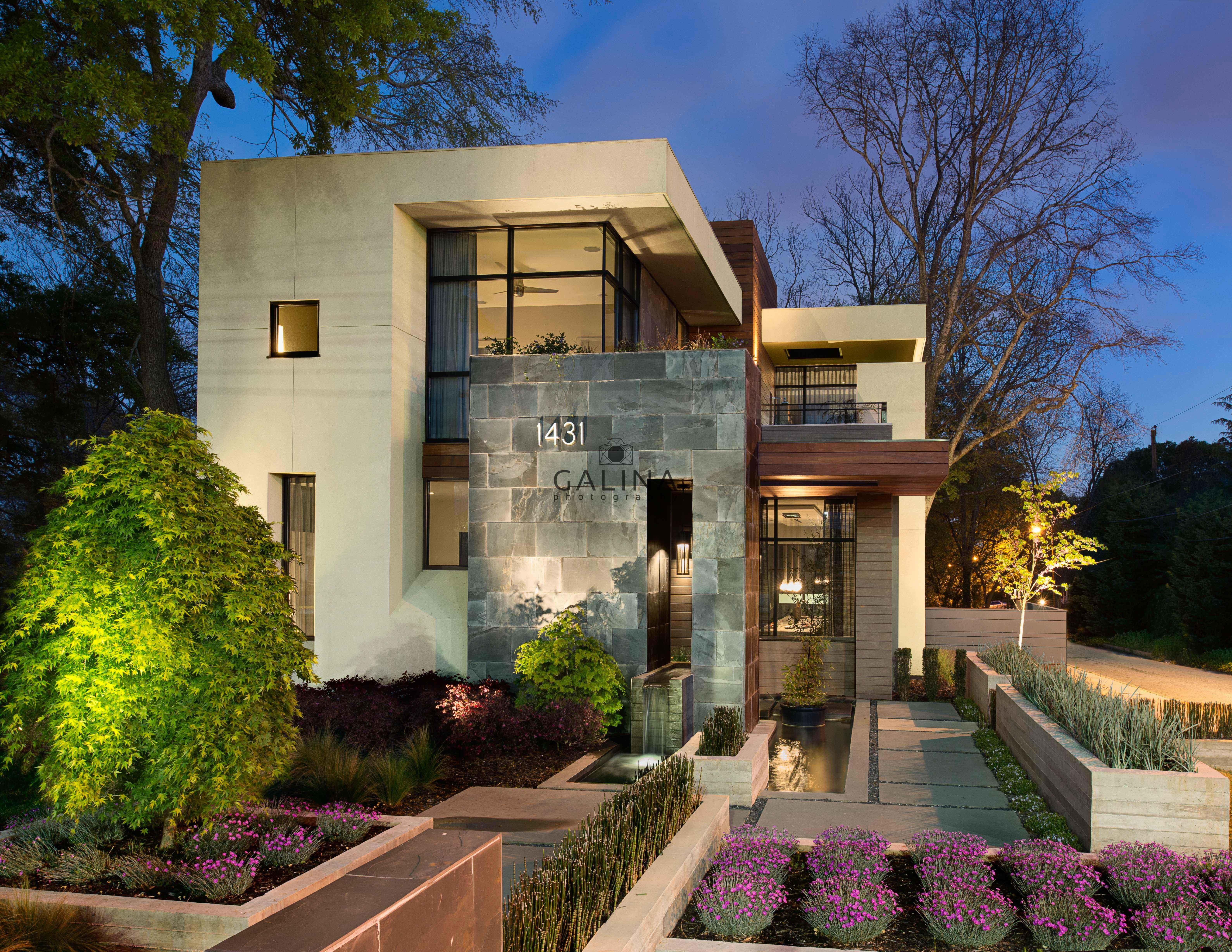 Dazzling Edgewood Modern Hits Market First Time