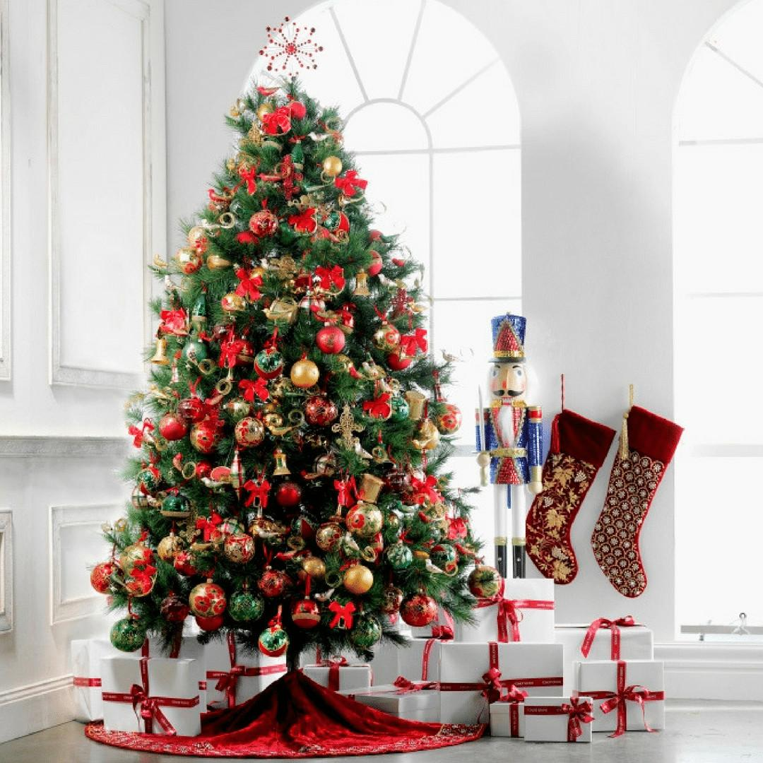 Decorate Stylish Christmas Tree
