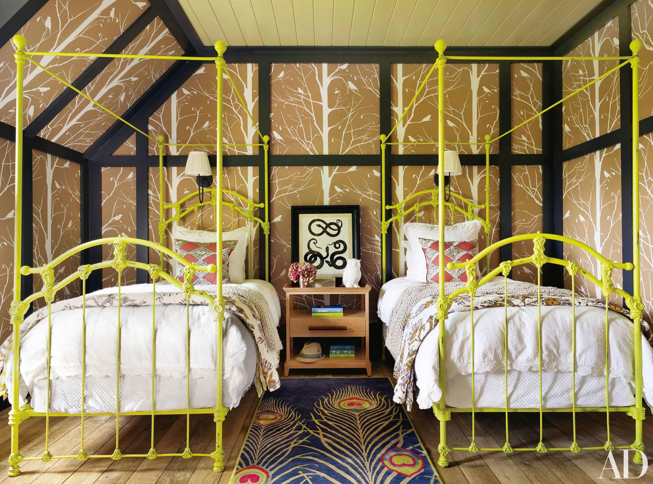 Decorate Two Twin Beds Guest Room Kids
