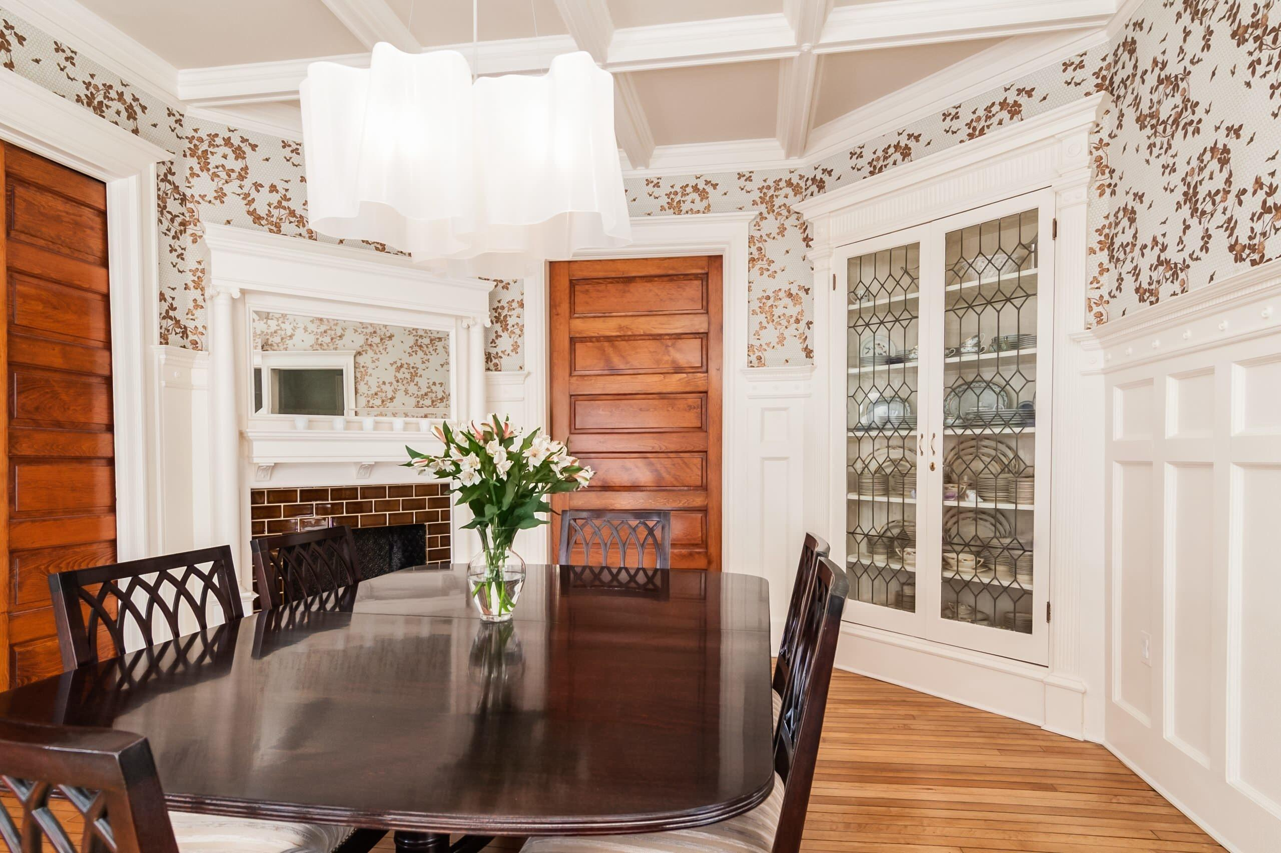 Decorating Appealing Traditional Dining Room