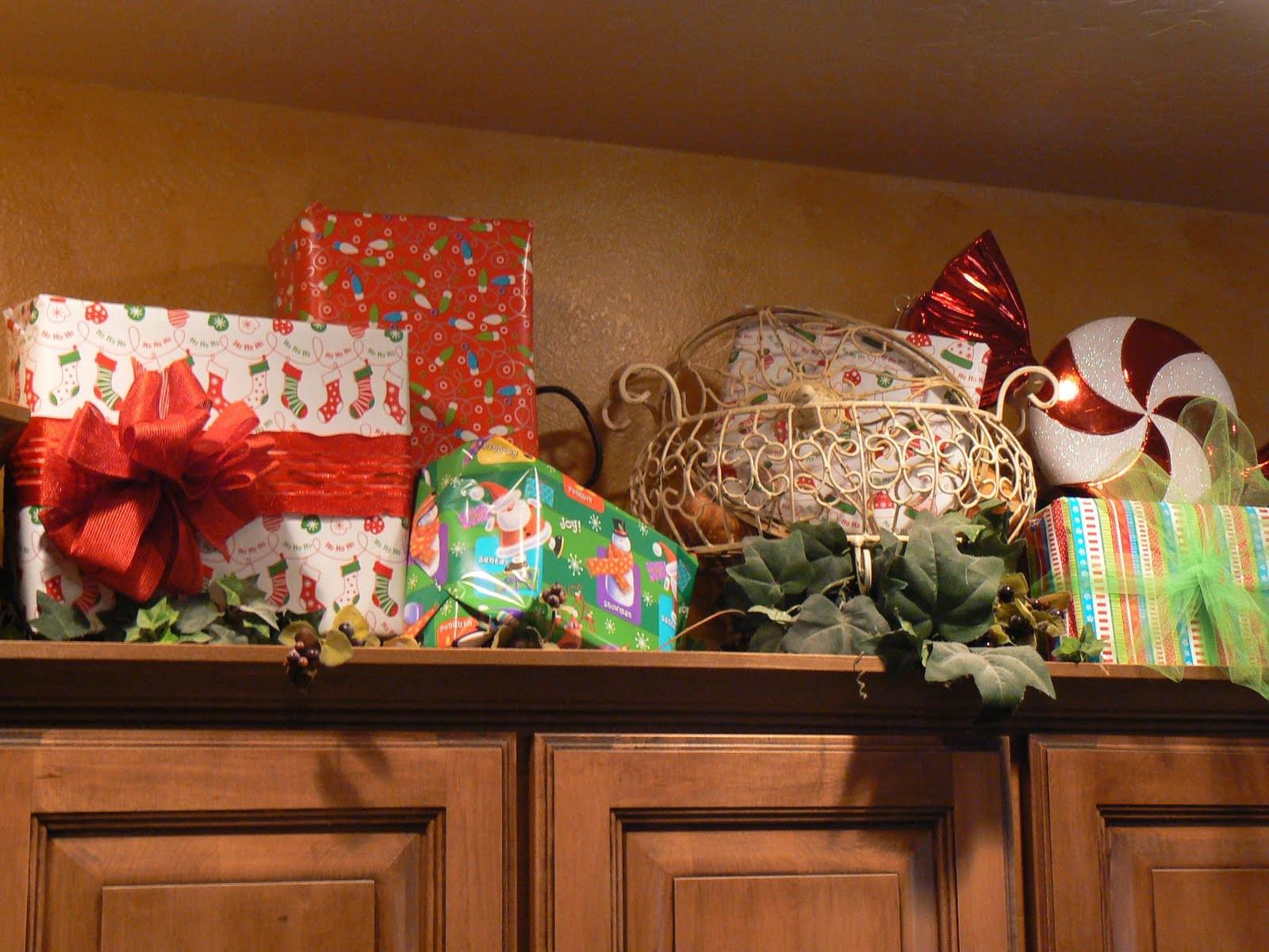 Decorating Top Kitchen Cabinets Christmas House