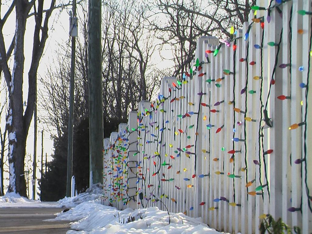 Decorating Your Fence Christmas