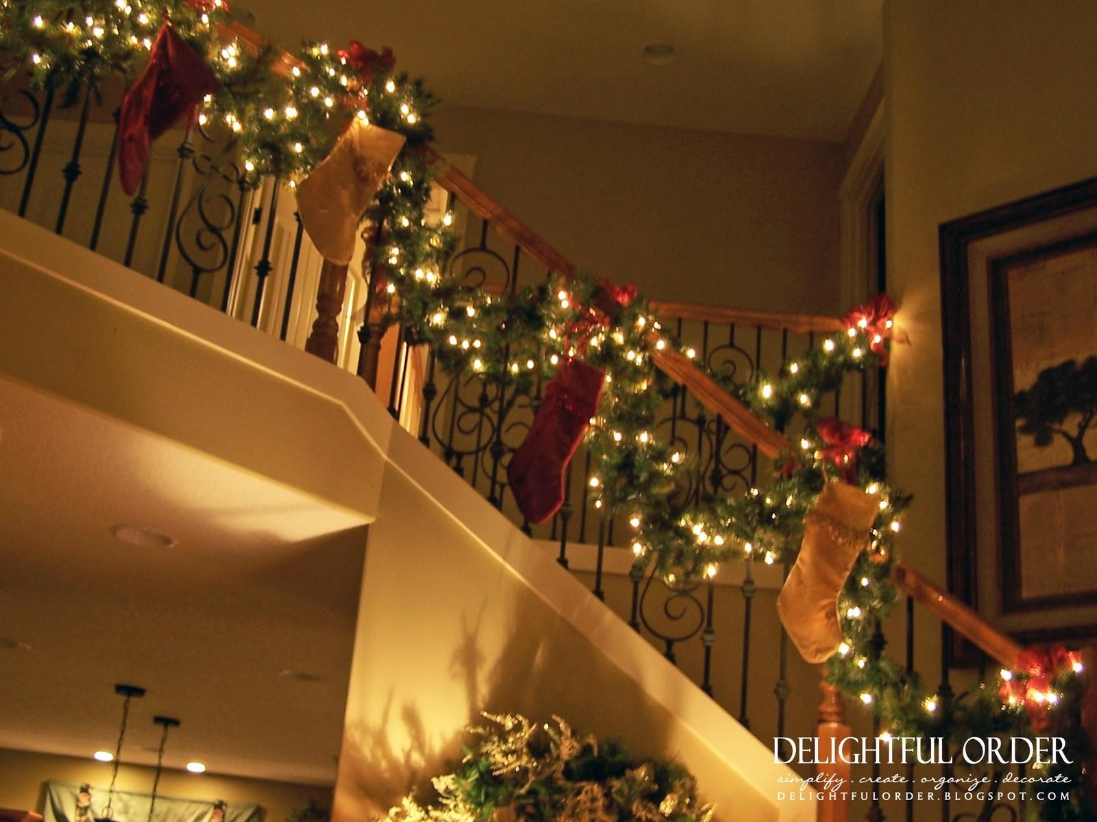 Creative Christmas Staircase Decorating Ideas That Will Wow You Awesome Pictures Decoratorist