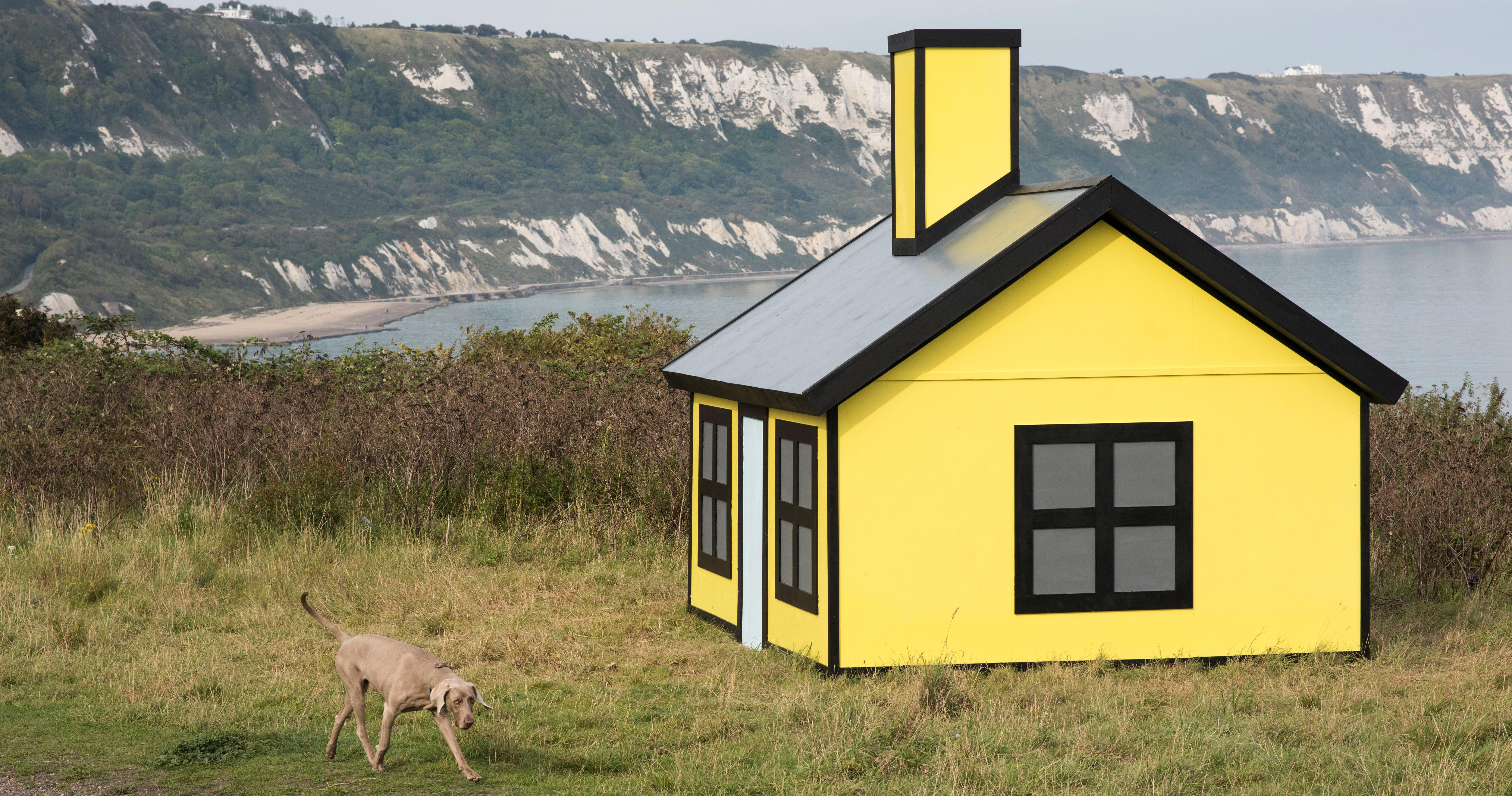 Designboom Richard Woods Bold Holiday Homes Dot