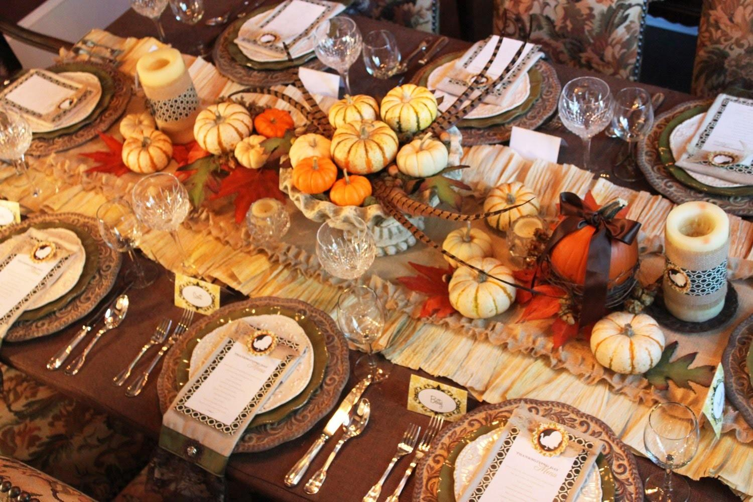 Dining Table Thanksgiving Centerpiece