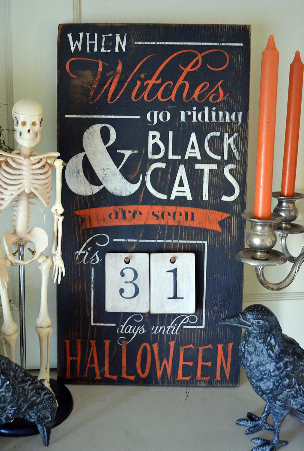 Distressed Wood Word Halloween Countdown Advent Sign