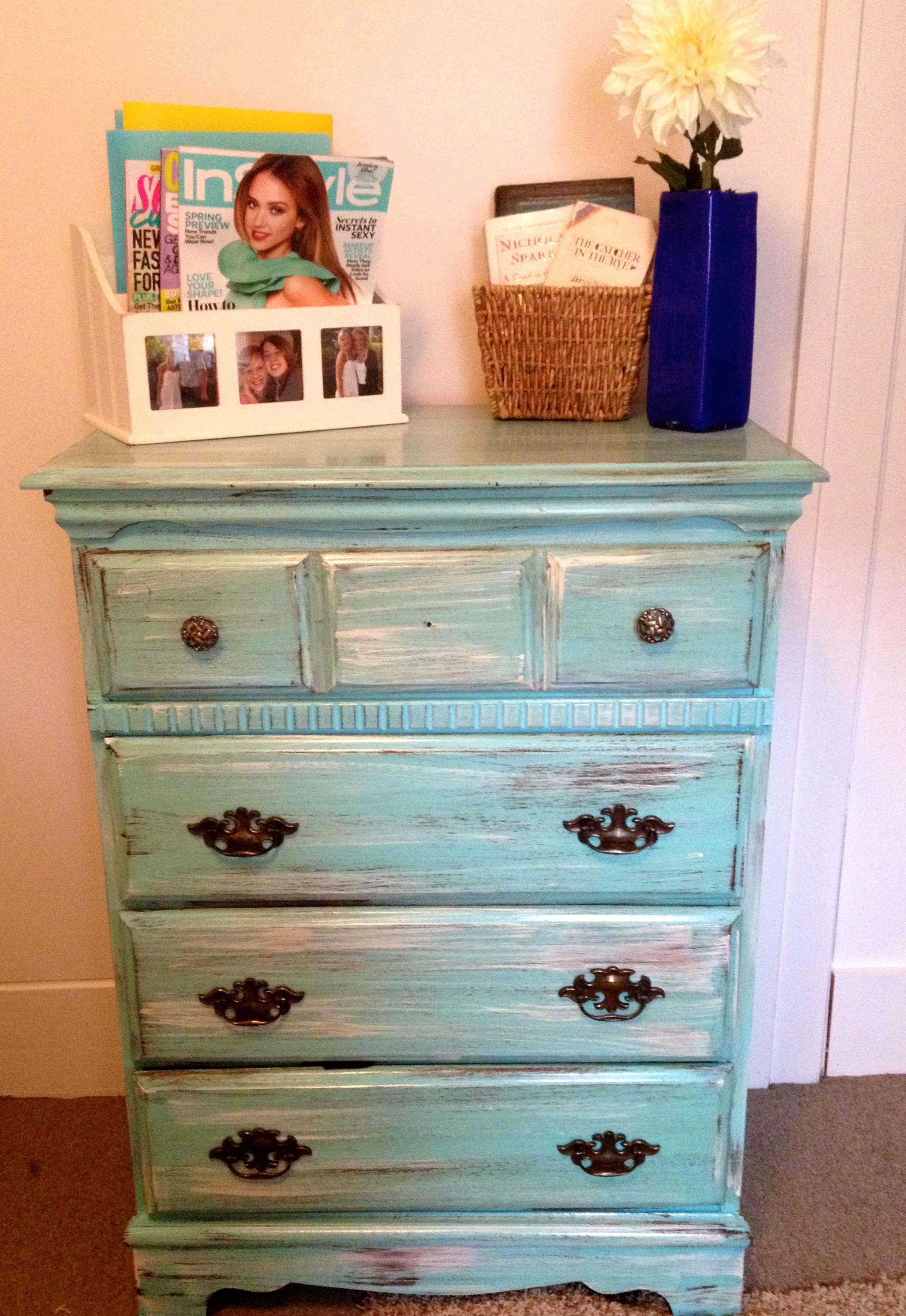 Distressing Old Furniture Paint Diy Tutorial