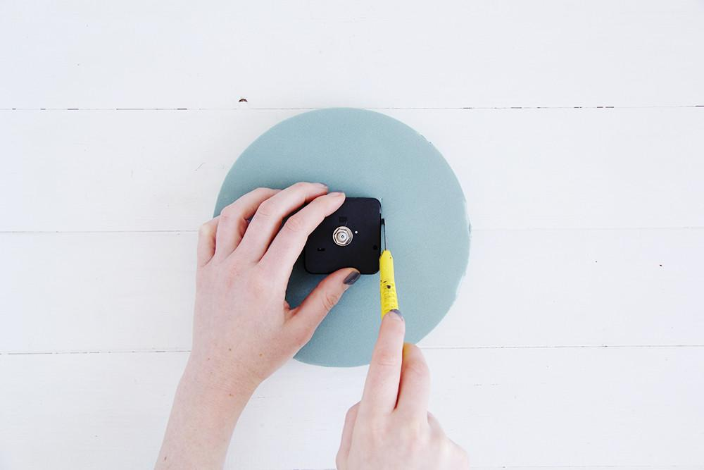 Diy Dotted Wall Clock Design Sponge Bloglovin