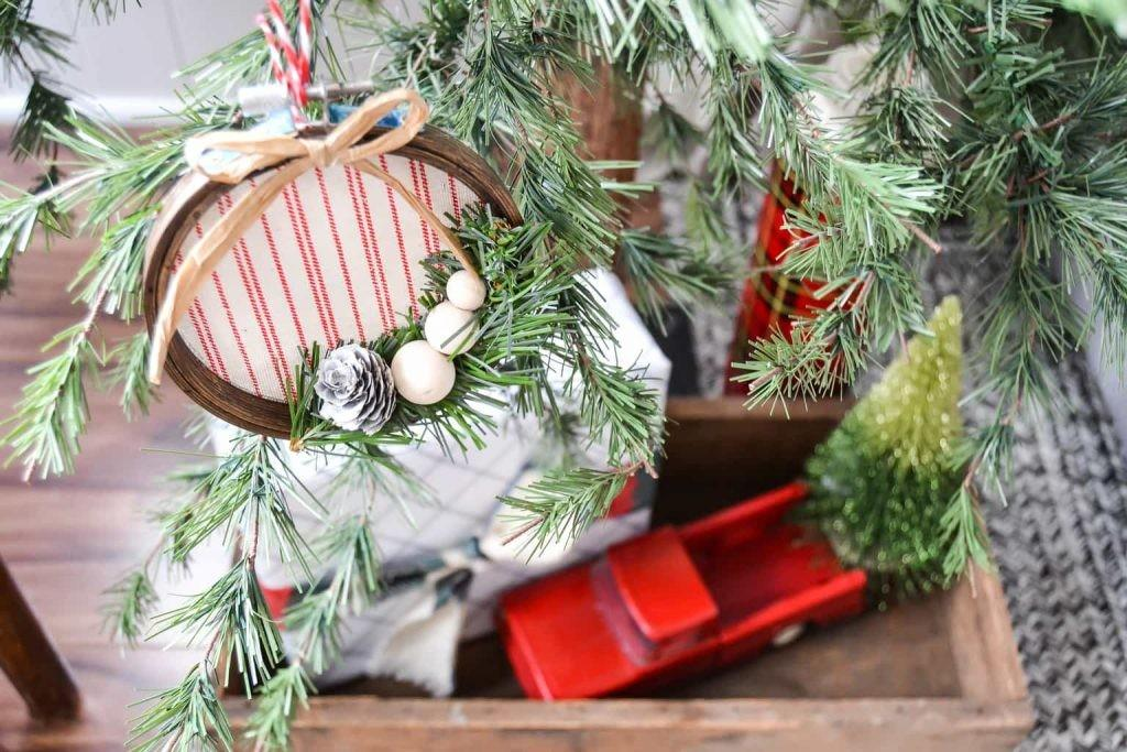 Diy Embroidery Hoop Christmas Ornament Creative Days