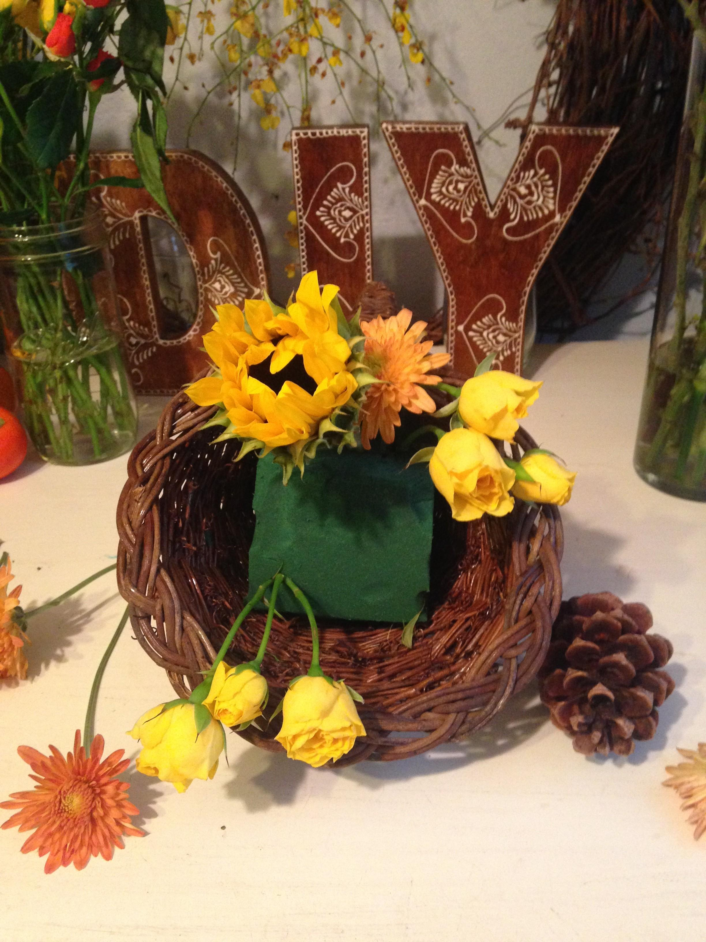 Diy Fall Centerpiece Modern Thanksgiving Cornucopia