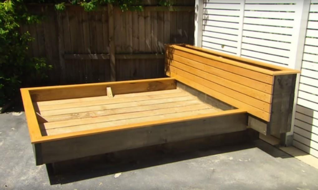 Diy Garden Guru Makes Outdoor Grass Daybed Out Wood