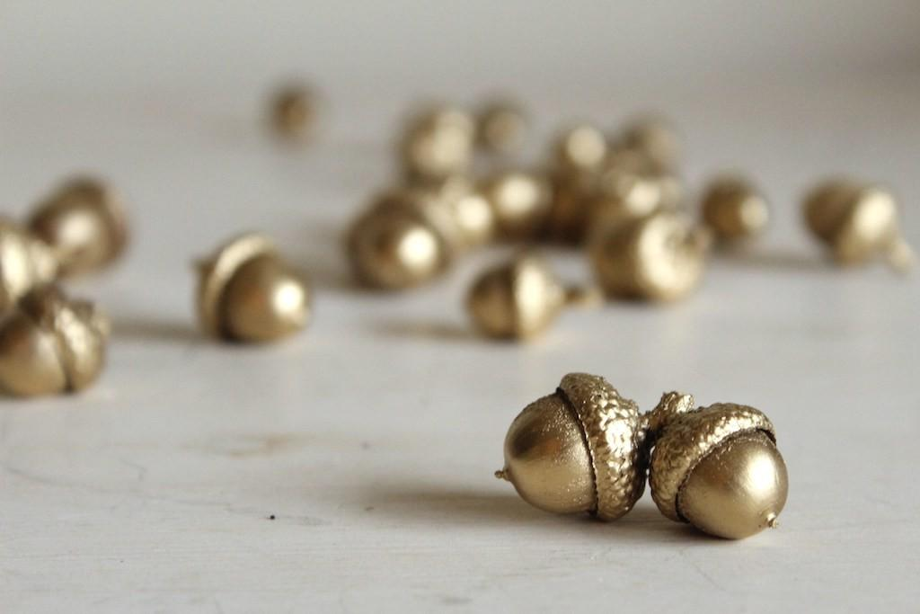Diy Gold Acorns Fair Olinda