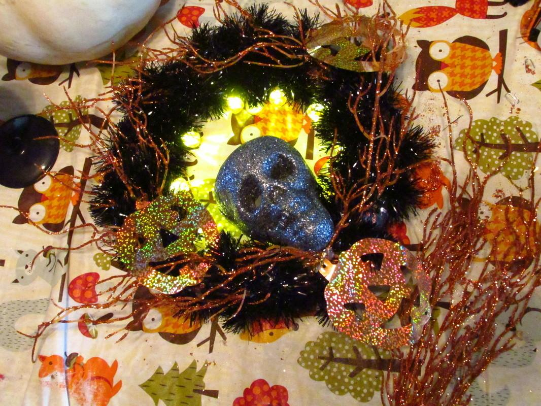 Diy Halloween Wreath Moonstruck Beauty Clean