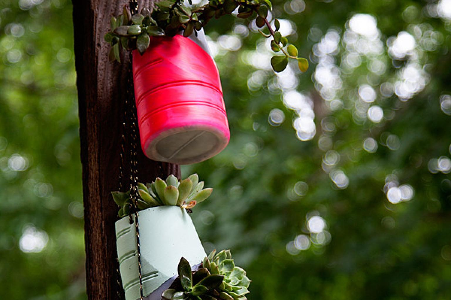 Diy Hanging Garden Fits Small Space Can Killed