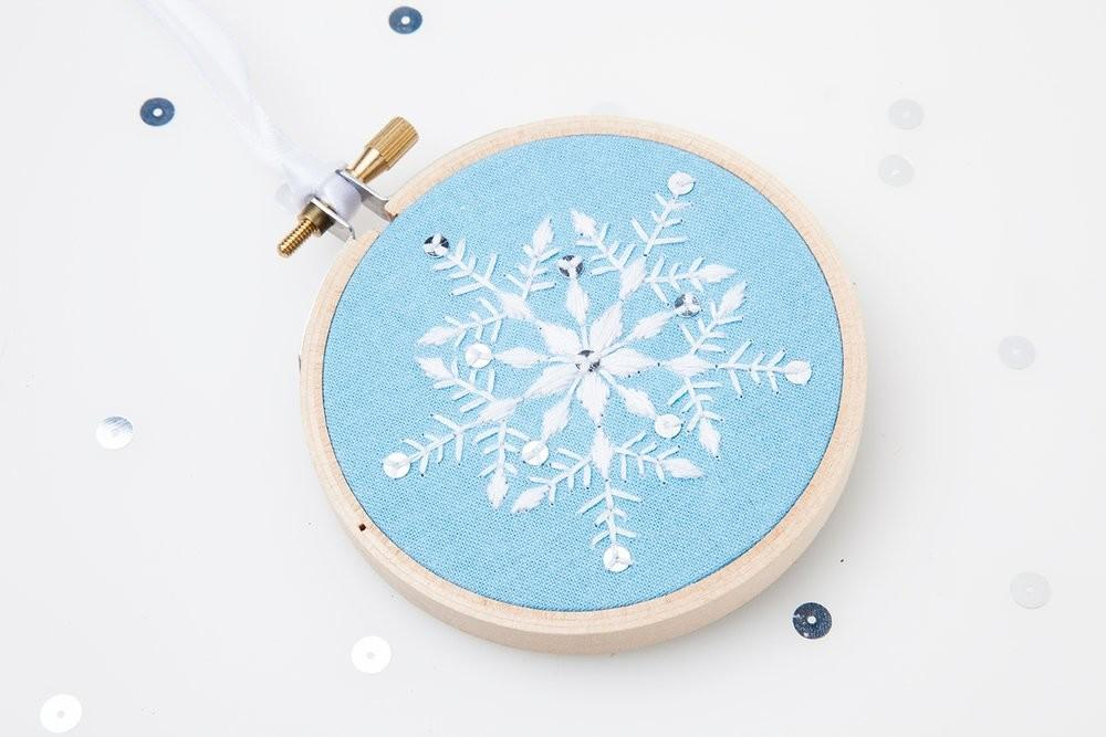 Diy Holiday Snowflake Ornament Embroidery Kit Gift