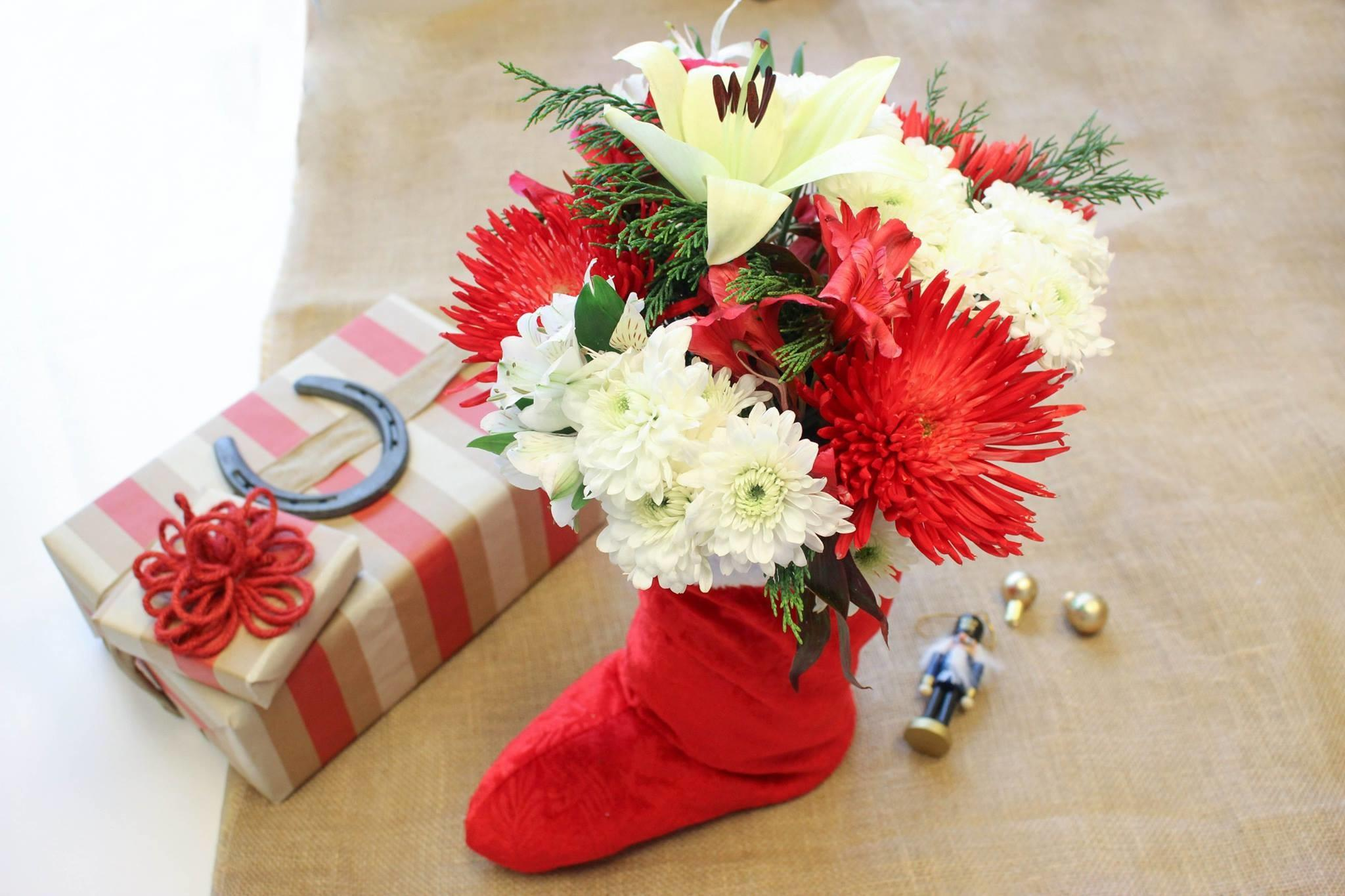 Diy Ideas Using Holiday Flowers Lone Star Living