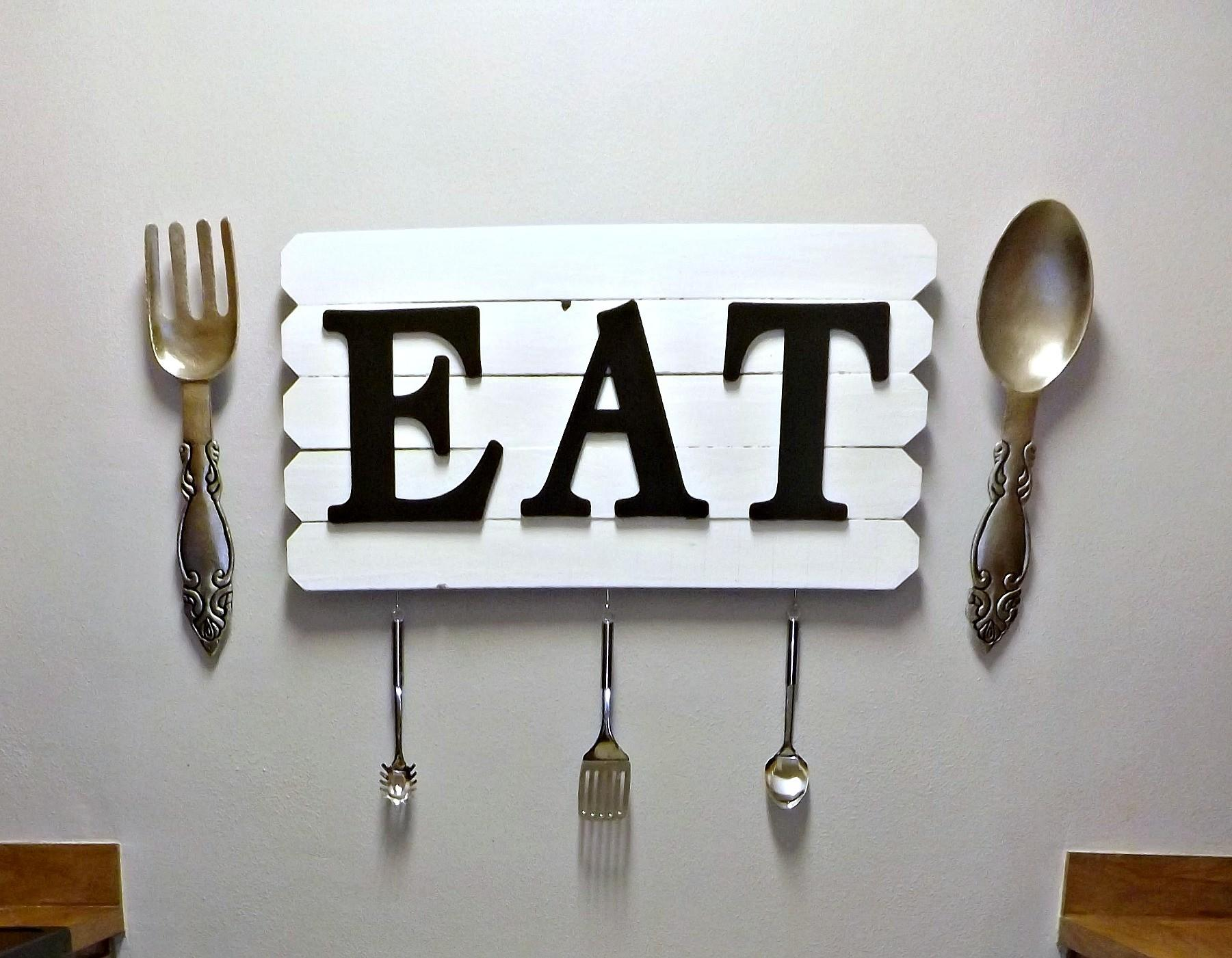 Diy Kitchen Eat Sign Check Out Cleverly Cluttered Mom