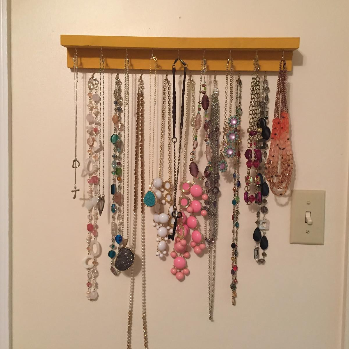 Diy Necklace Holder Biscotti