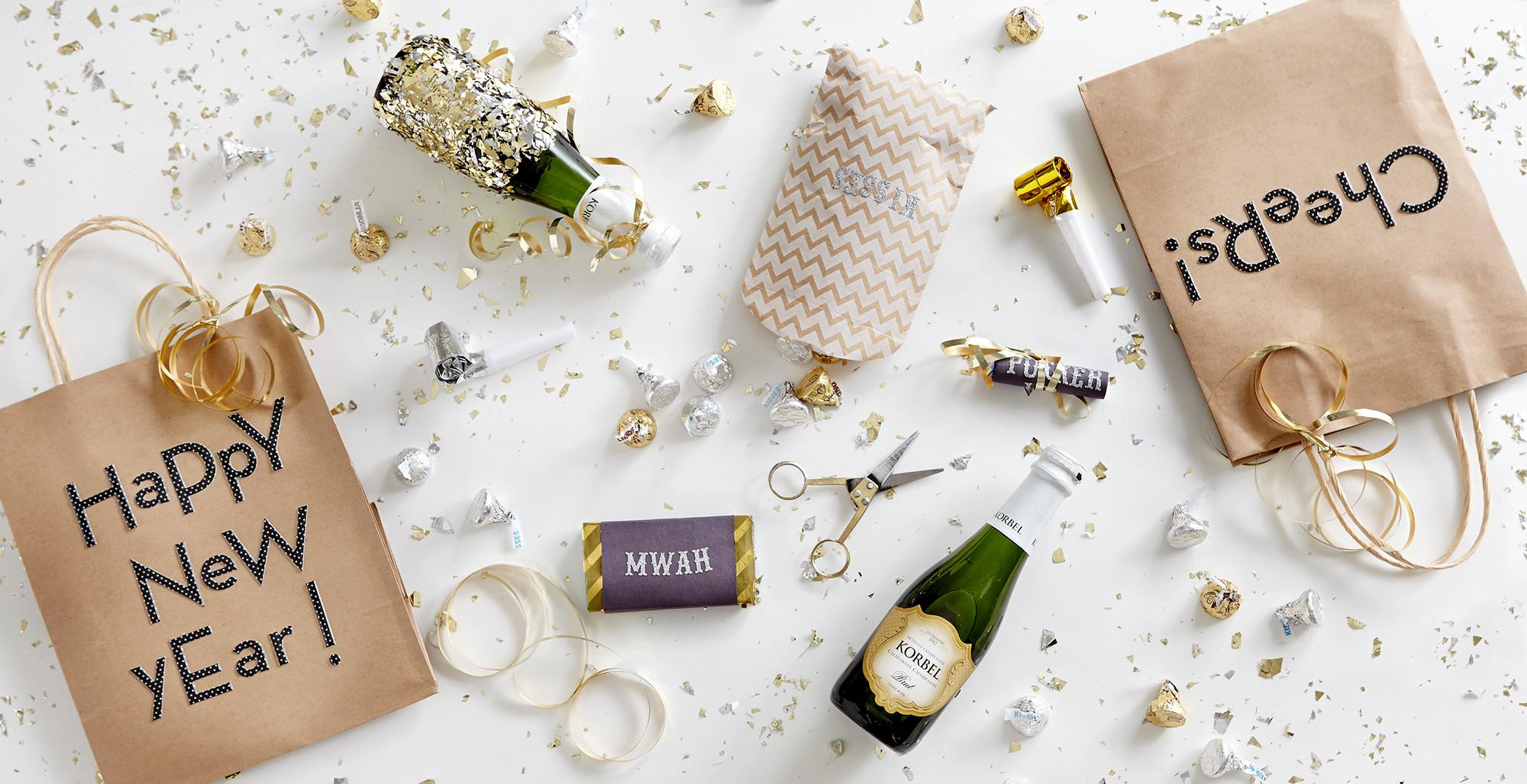 Diy New Year Eve Decorations Tablescape Under