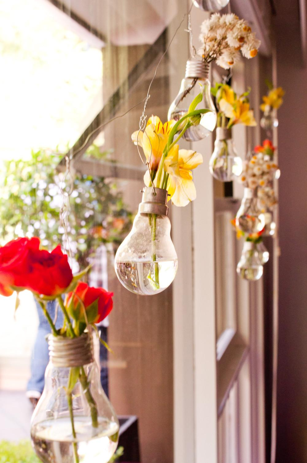 Diy Project Light Bulb Bud Vase Perfect Table