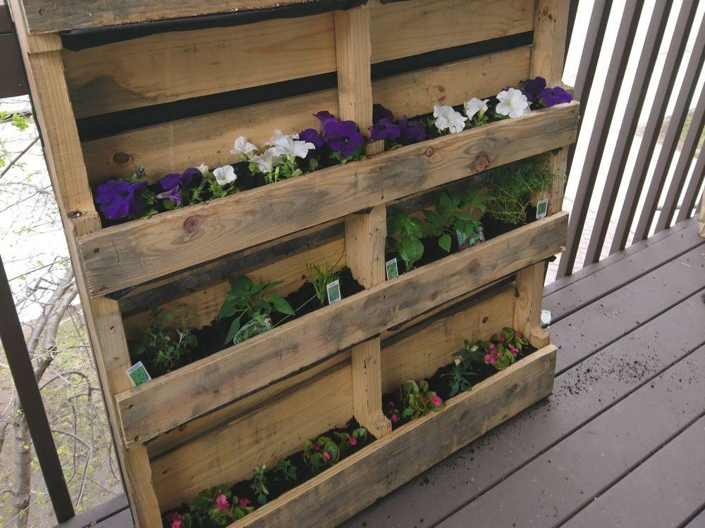 Diy Project Transform Wooden Pallet Into Vertical