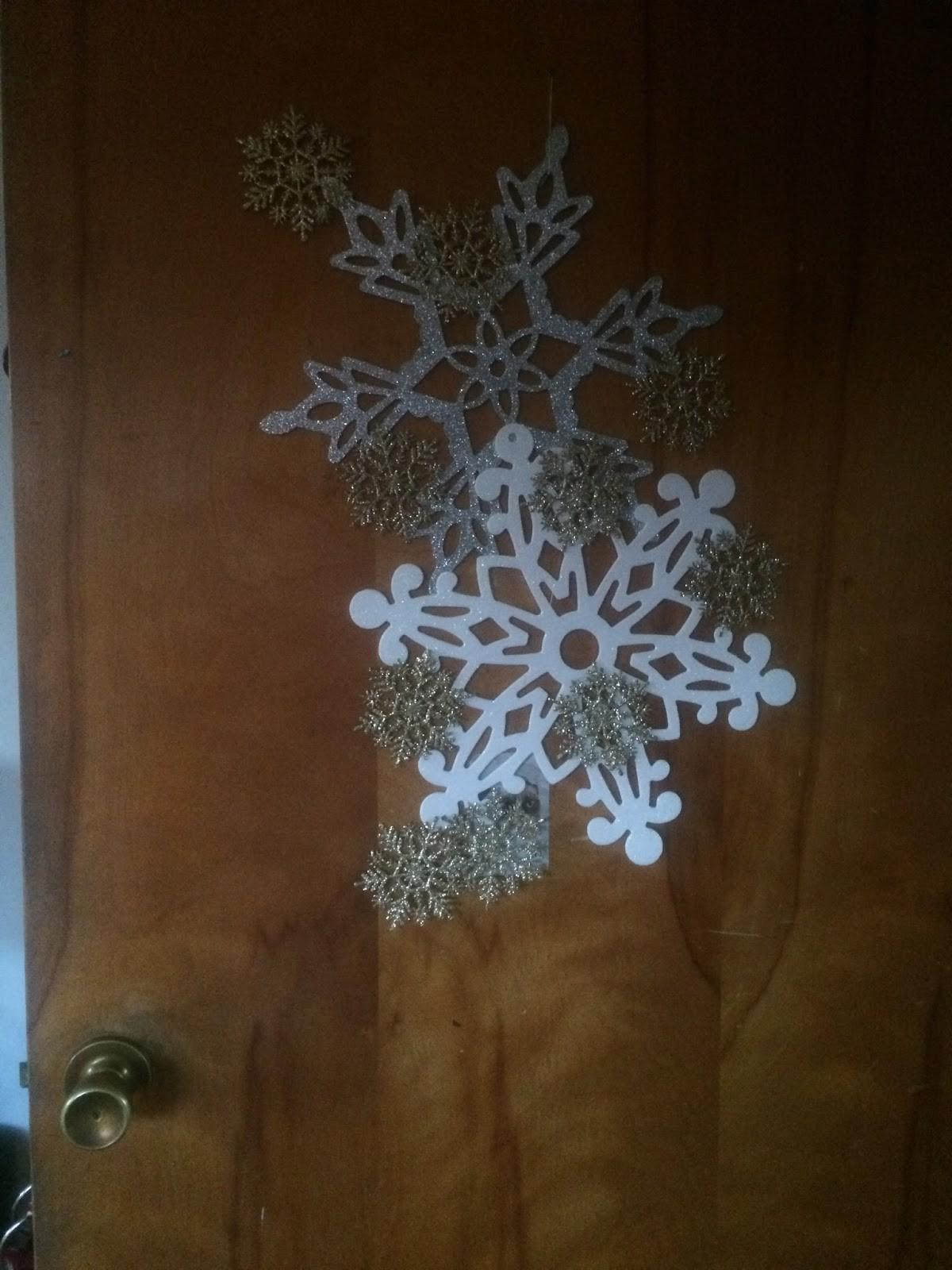 Diy Snowflake Door Wreath