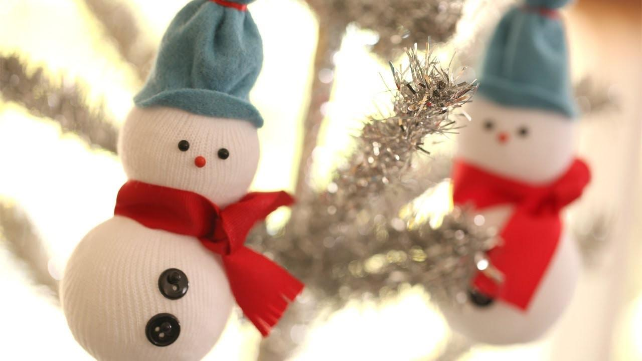 27 Spectacular Diy Snowman Christmas Tree Ornaments That Will Blow Your Mind With Their Design Great Photos Decoratorist
