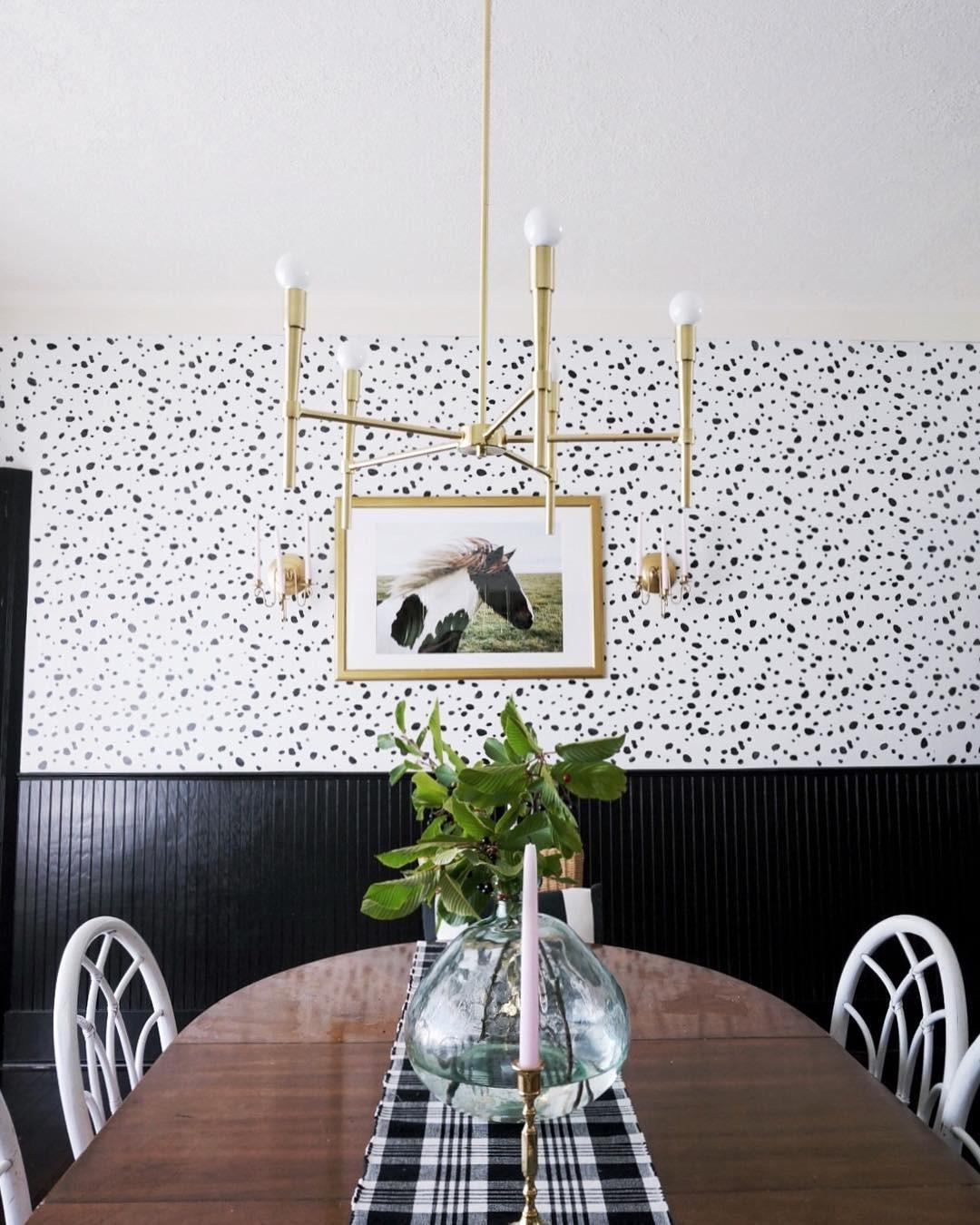 Diy Stenciled Dining Room Has Look