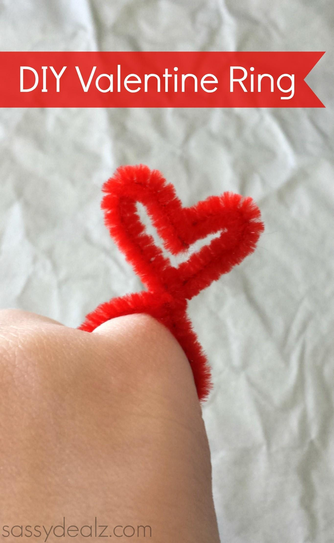 Diy Valentine Heart Rings Made Pipe Cleaners Crafty