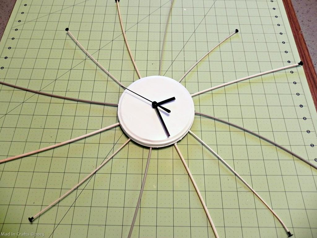 Diy Vintage Knitting Needle Starbust Clock Mad Crafts