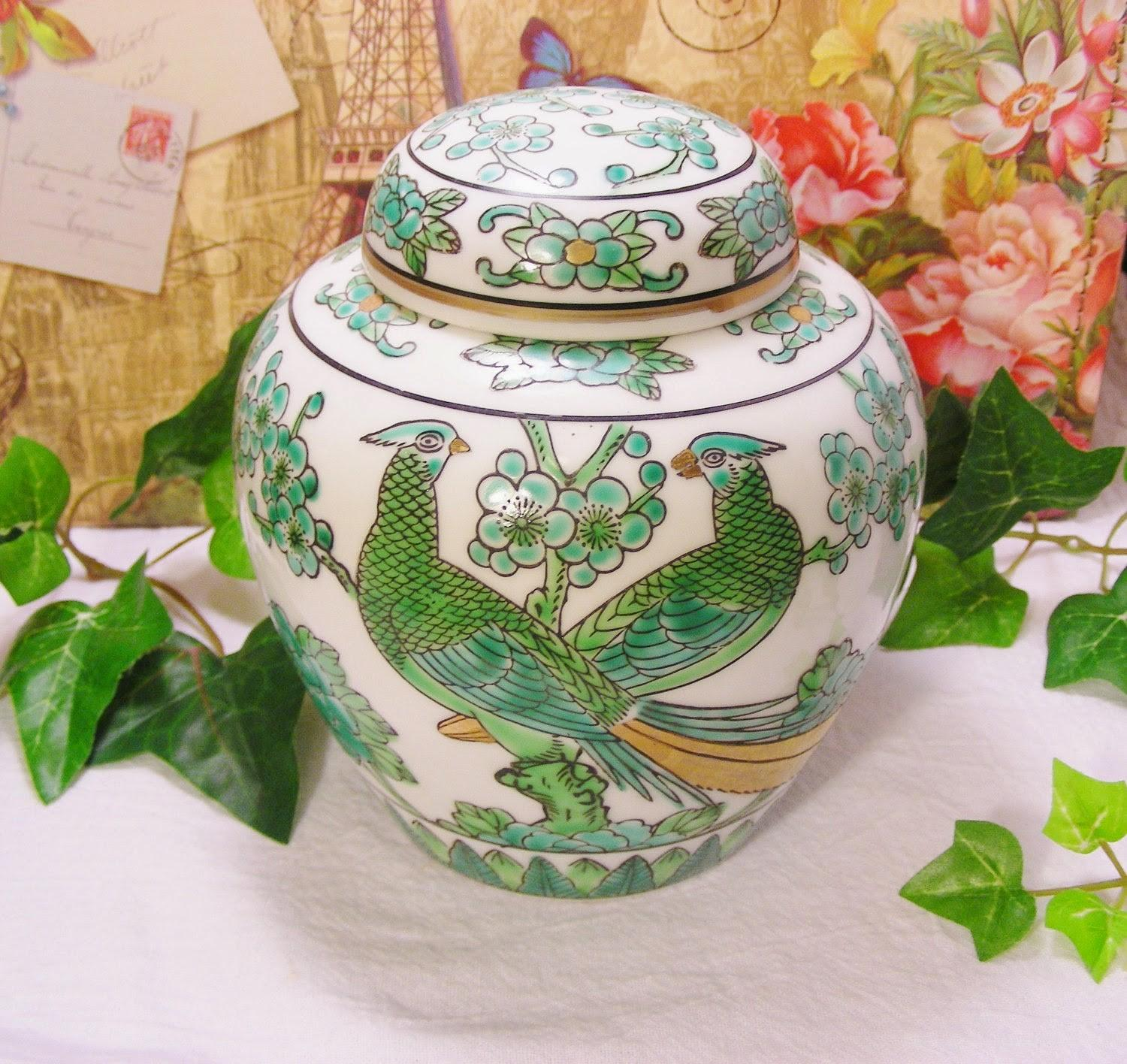 Dolce Vita Mail Today Gold Imari Peacock Jar