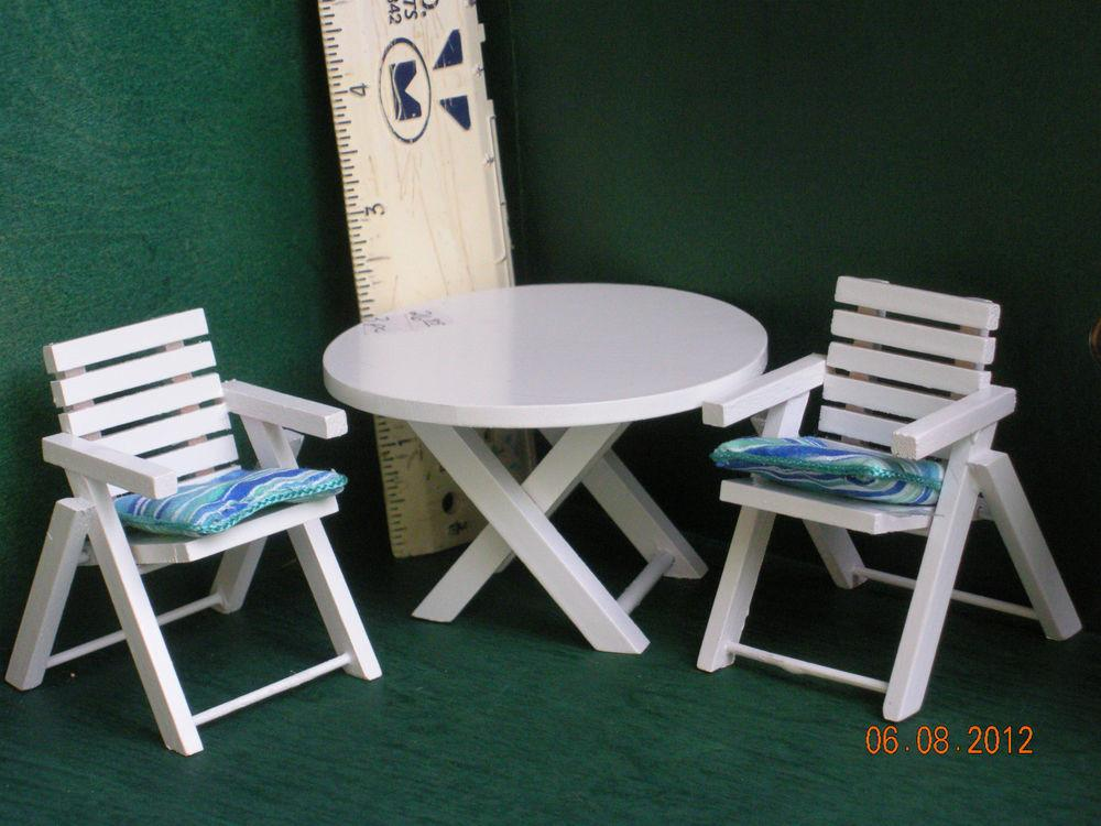 Dollhouse Miniature Patio Table Chairs